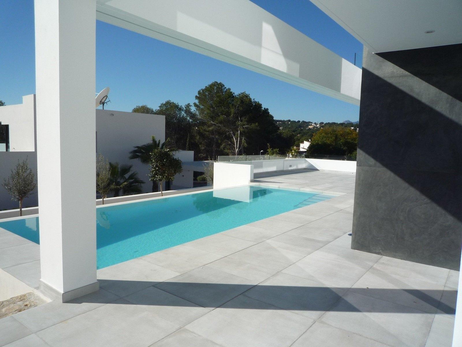 Villa de nueva construcción de estilo moderno en venta en Moraira - Costa Blanca
