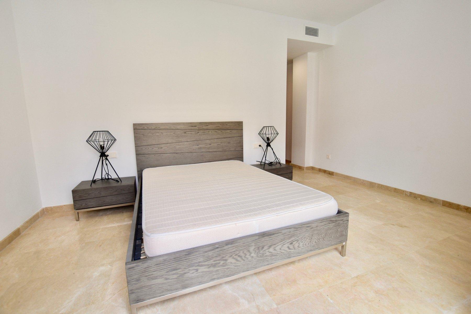 Hermoso apartamento de 2 habitaciones en urbanización Jardines de Montemar en Moraira - Costa Blanca