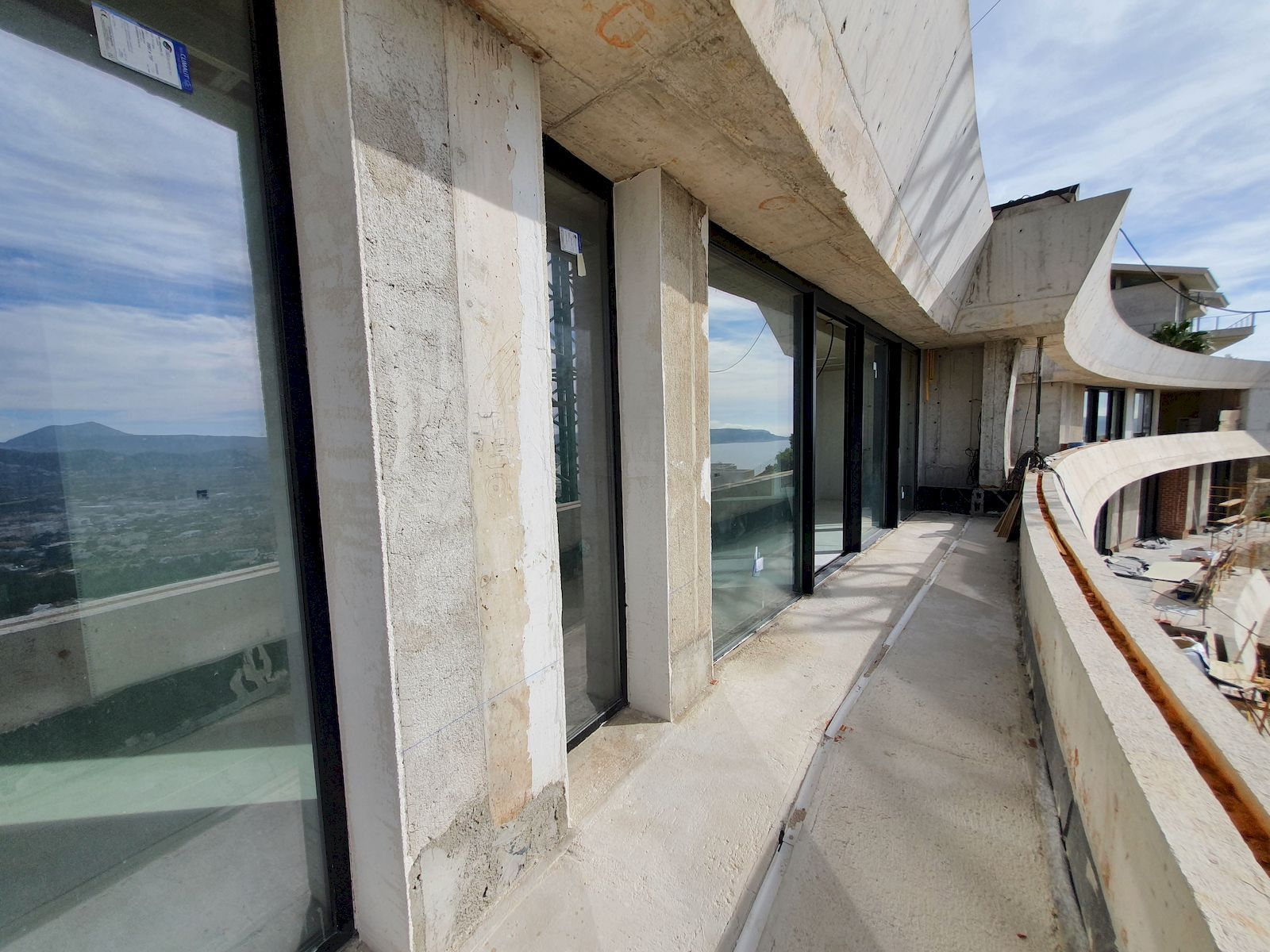 Villa de Estilo Moderno a la Venta en La Corona de Javea - Costa Blanca