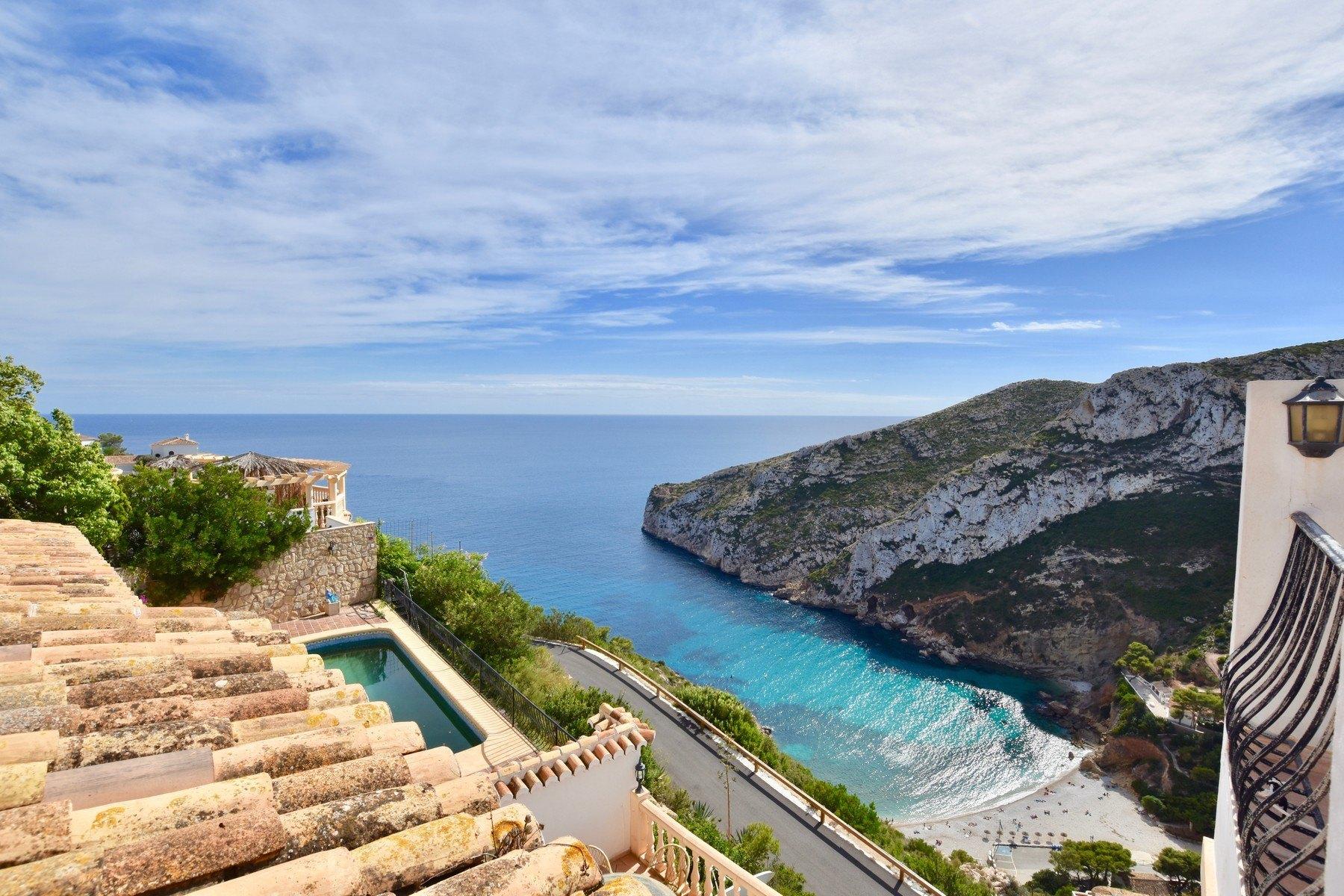 Villa a la venta en la Cala de la Granadella con vistas al mar - Javea - Costa Blanca